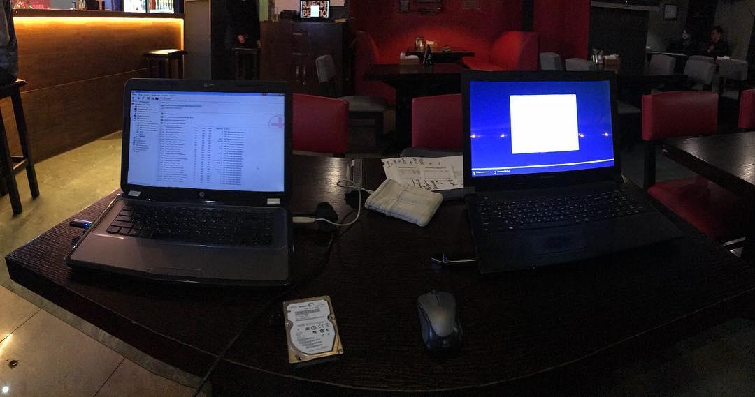 Одновременная установка системы на двух ноутбуках Итог: семерка ставится быстрее и работает стабильнее! Хотя это уже давно ни для кого не секрет :) Когда microsoft выпустит что то толковое???